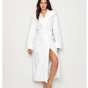 white Turkish cotton terrycloth bathrobe w hood